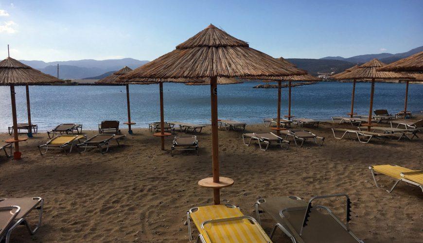 Strand wartet auf Gäste -Reisen nach Corona